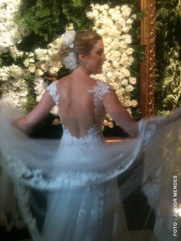 casamento-fabiana-justus-vestido-noiva-renda-wanda-borges-08.jpg