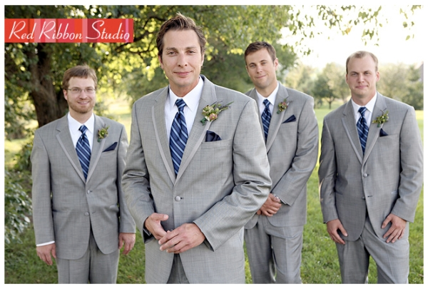 Red-Ribbon-Studio-Grey-suit-groom-and-groomsmen
